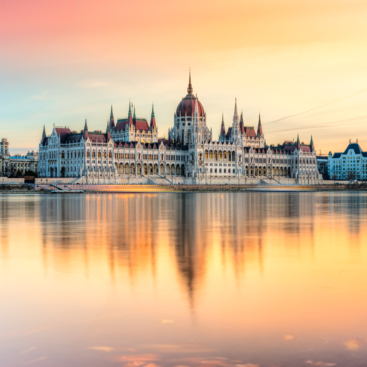Budapest airport transforms passenger traffic with bud:connects — Shutterstock